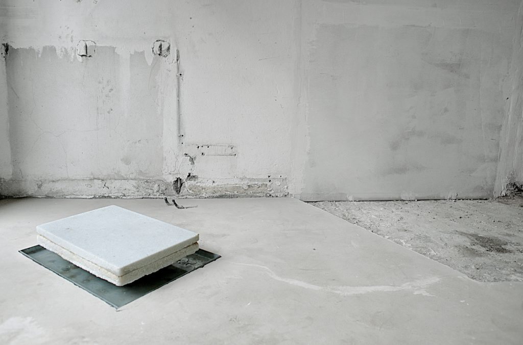 4-Megaloschemos_, 2018, veduta della mostra, Galleria Arrivada, Milano